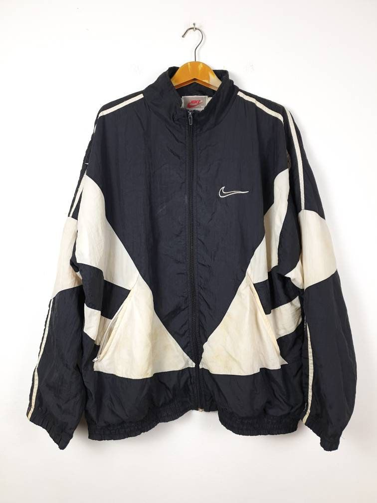 Vintage 90 S Nike Swoosh Colour Block Spellout Big Logo Embroider Sportwear Windbreaker Jacket By In 2020 Vintage Nike Windbreaker Thrifted Outfits Windbreaker Outfit