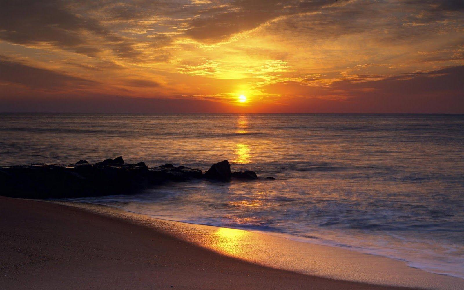 Gambar Matahari Terbenam Di Laut
