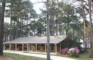 Luxury Waterfront Home On 1 5 Acres Homeaway Lake Sam Rayburn Waterfront Homes Cabin Rentals Vacation Rental