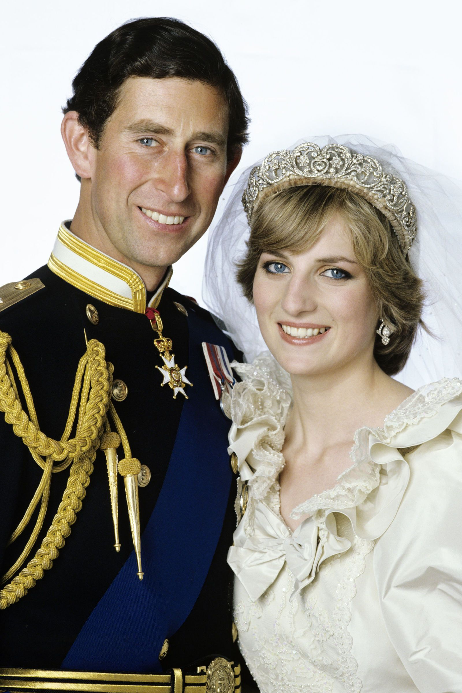 Prince Charles And Princess Diana S Formal Wedding Portrait Taken After The Ceremony At Buckingham Palace