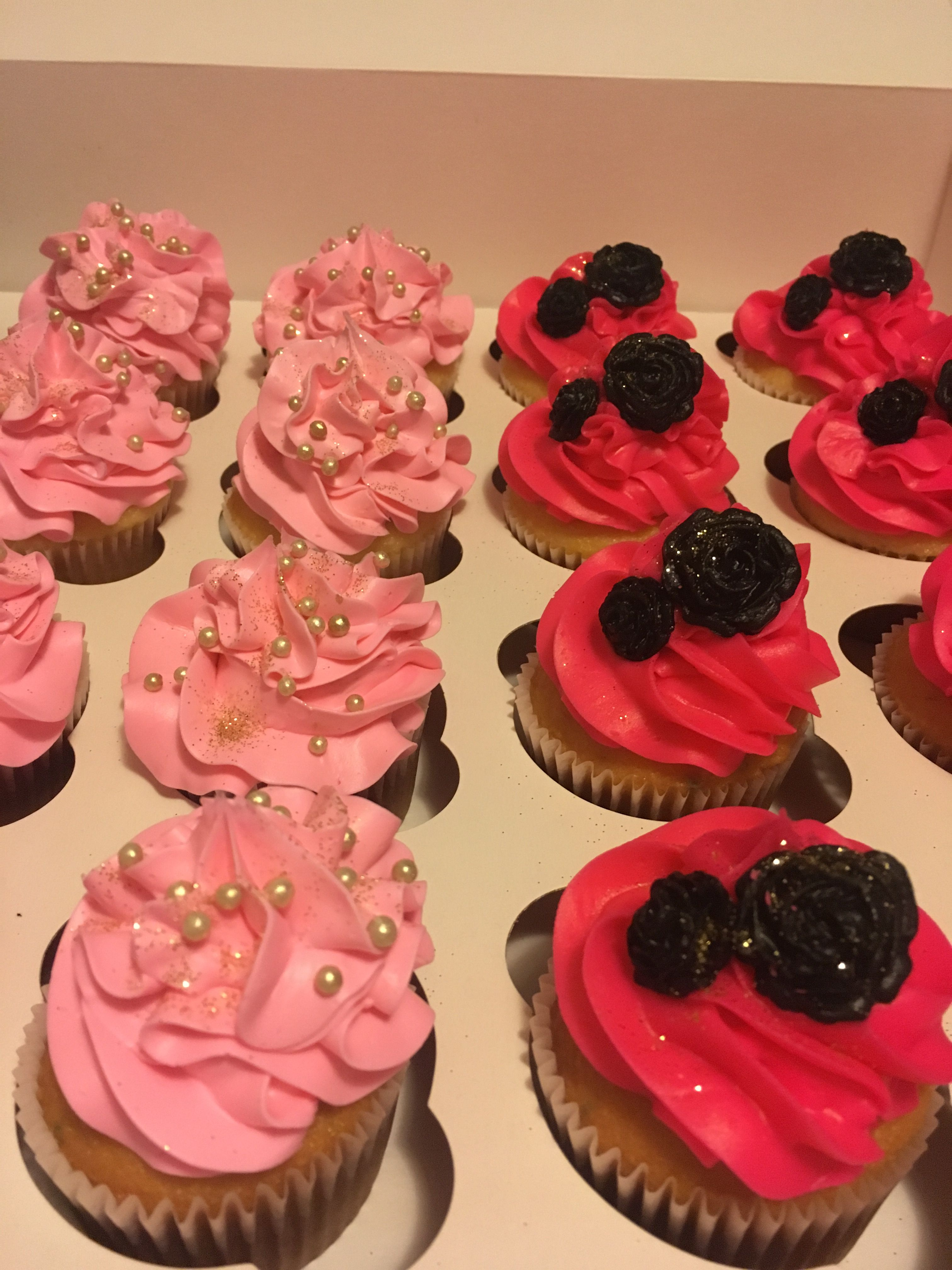 Pink Black Gold Cupcakes Cakes By Me Pinterest Gold Cupcakes