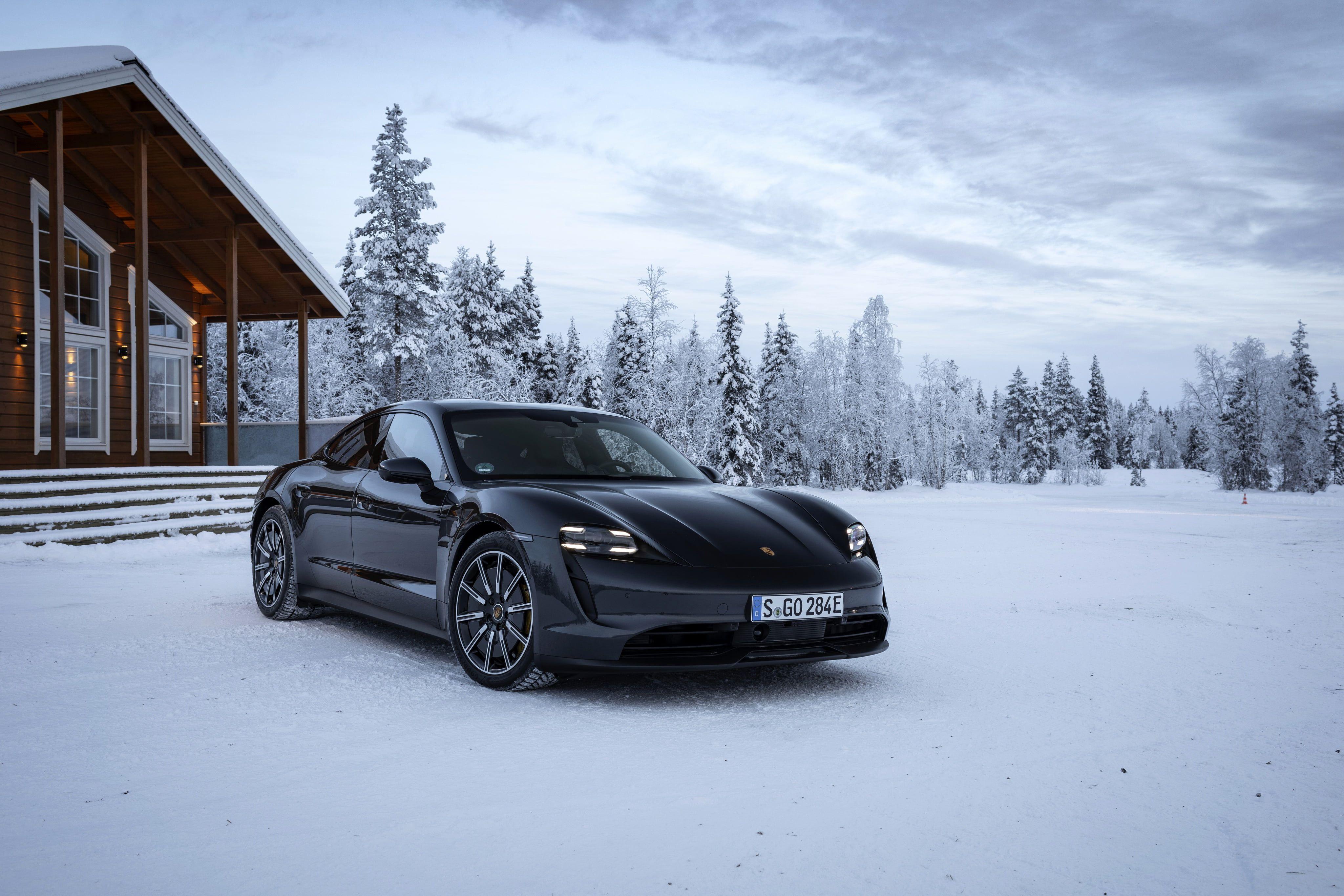 Porsche Porsche Taycan 4s Black Car Car Snow Sport Car Vehicle Winter 4k Wallpaper Hdwallpaper Desktop