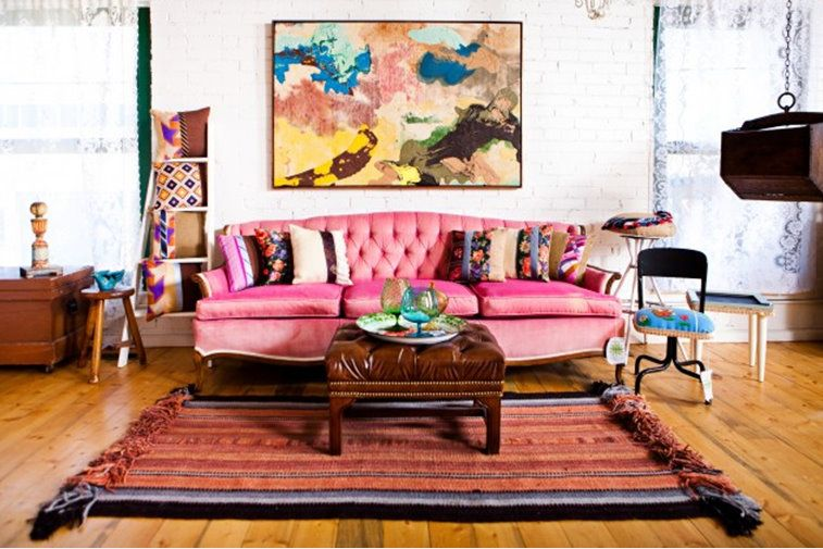 Pink couch Houseofearnest.com | for the home | Pinterest | Pink ...