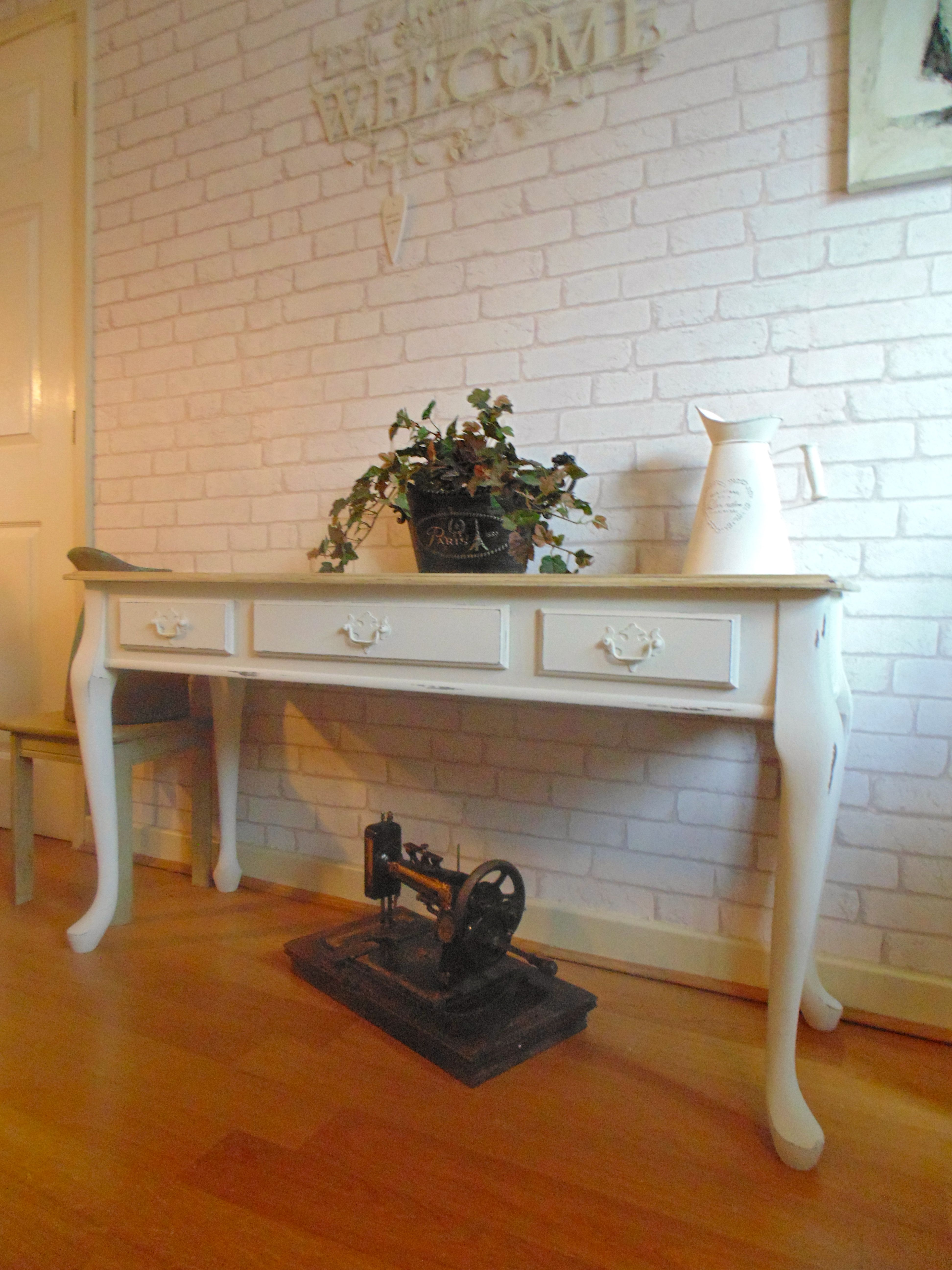 Gorgeous console table painted in annie sloan old white gorgeous console table painted in annie sloan old white distressed shabby chic geotapseo Choice Image
