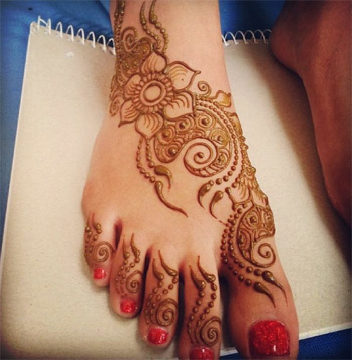 1001 id es de henn pied pour magnifier votre look henn pied vernis rouge et henn - Pied vernis rouge ...