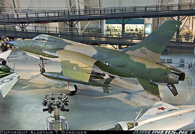 Photos Republic F 105d Thunderchief Aircraft Pictures Aircraft Pictures Military Pictures Fighter Jets