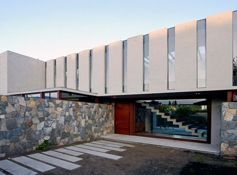 Solid Architecture Of Fleischmann Ossa House By Mas Y Fernandez Arquitectos Architects   Glass Facade