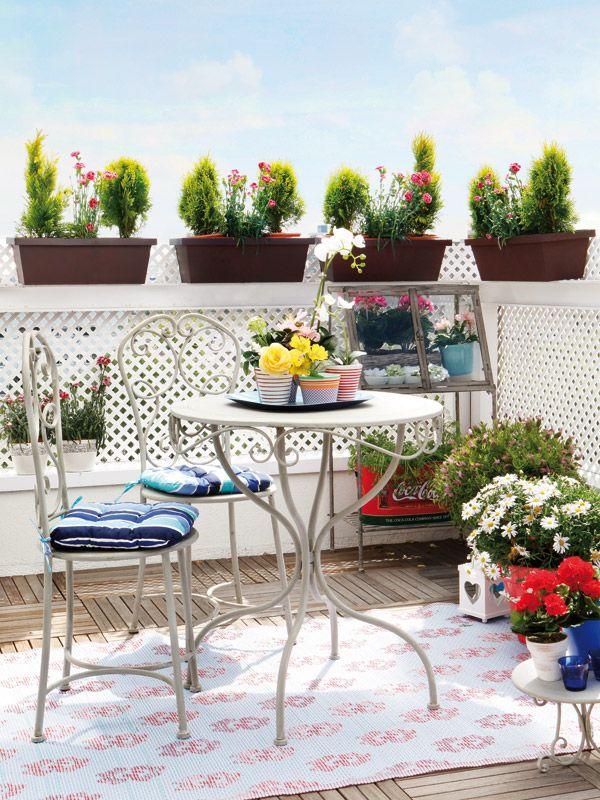 Claves para montar un peque o comedor en la terraza for Terraza interior decoracion
