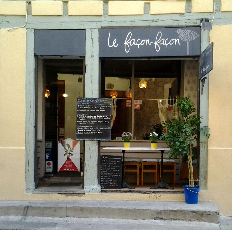 The restaurant Le Façon-façon. http://todayintoulouse.com/le-facon-facon/