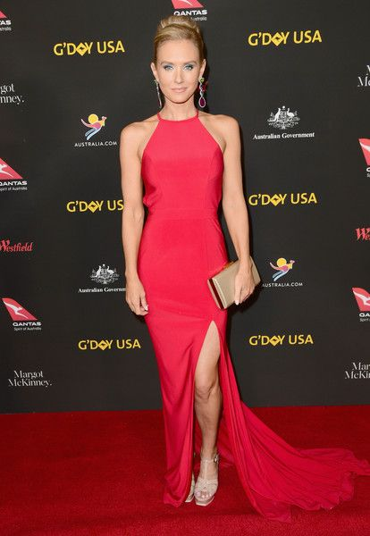 Nicky Whelan attends 2018 G'Day USA Los Angeles Black Tie Gala at InterContinental Los Angeles Downtown on January 27, 2018 in Los Angeles, California.
