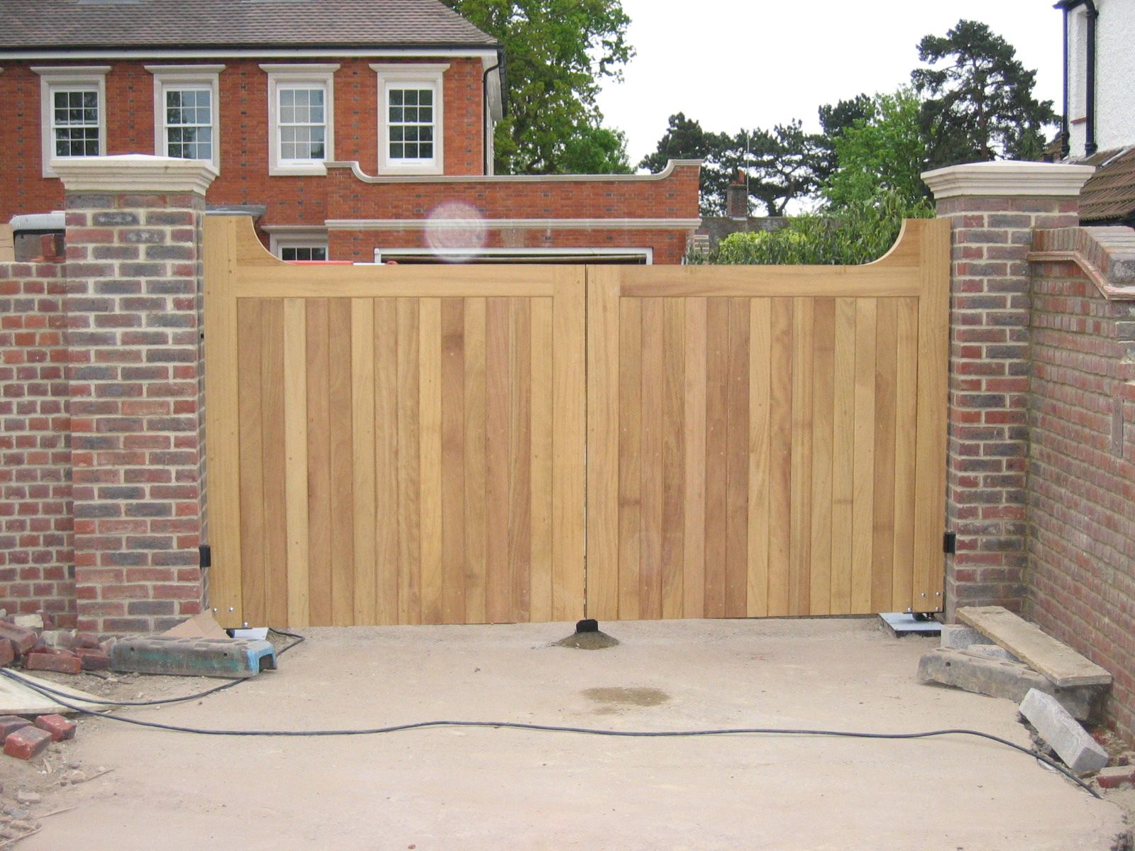 Decor wooden gates with disc steel wooden gates gate