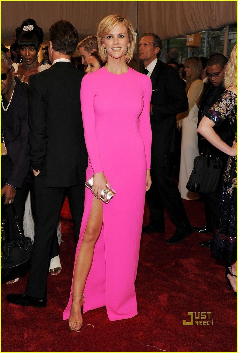Hot pink dress shoes  Sleek in hot pink  If I Had Toothpick Legs  Pinterest  Hot pink