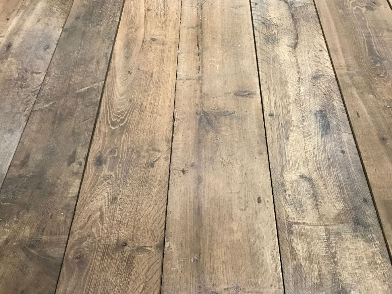plancher ancien de r cup ration en vieux ch ne plancher ancien reclaimed floorboards. Black Bedroom Furniture Sets. Home Design Ideas