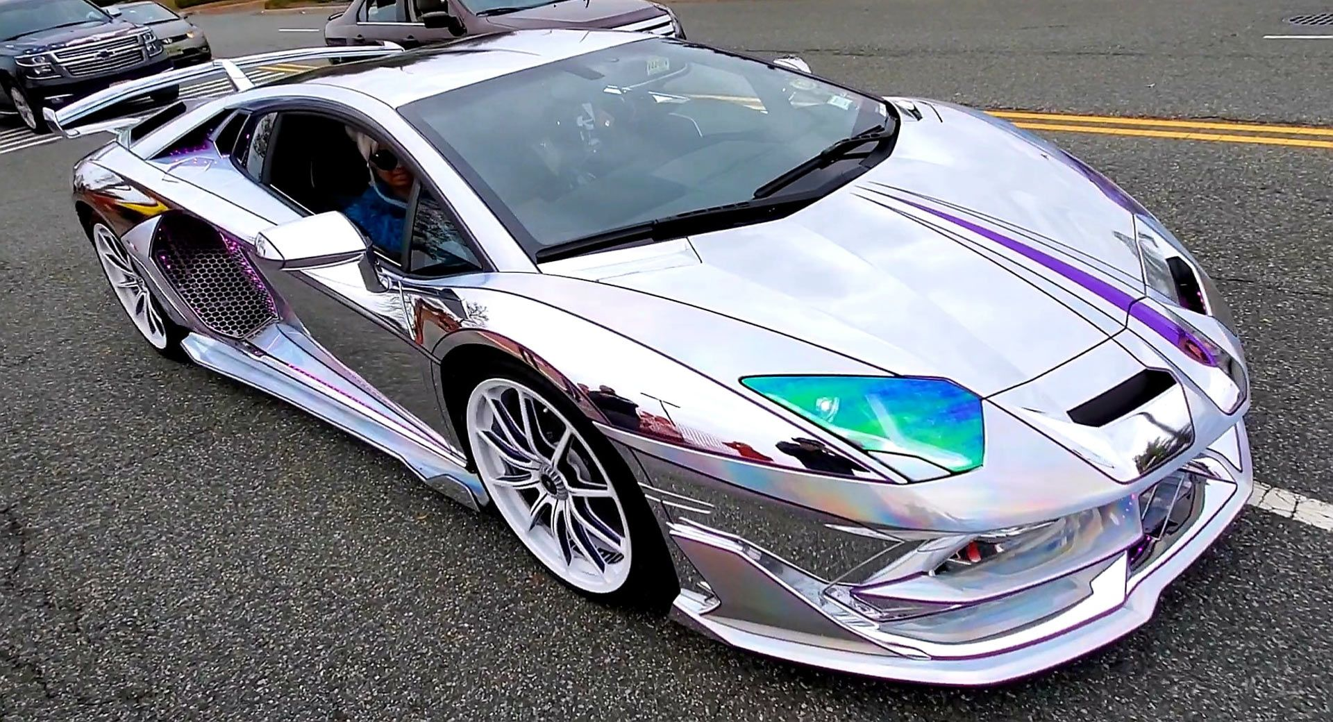 Holographic Chrome Lamborghini Aventador Svj Is As Bright As Times Square Carscoops In 2020 Lamborghini Aventador Super Luxury Cars Lamborghini
