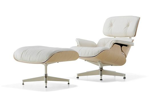 Beautiful Herman Miller Eames Lounge And Ottoman In White Ash