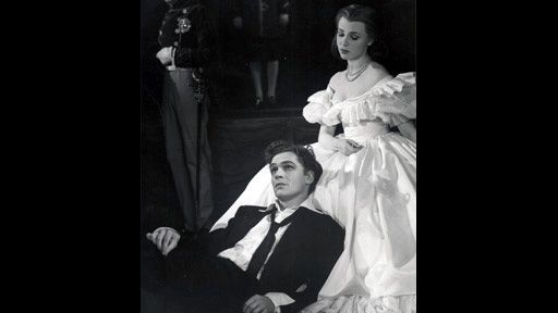 1948 RSC production of Hamlet, with Paul Scofield as Hamlet and Claire Bloom as Ophelia.