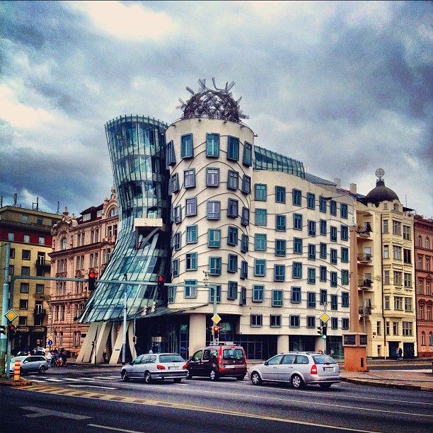 Frank Gehry & Vlado Miluni's Dancing House (Tanc Dm)