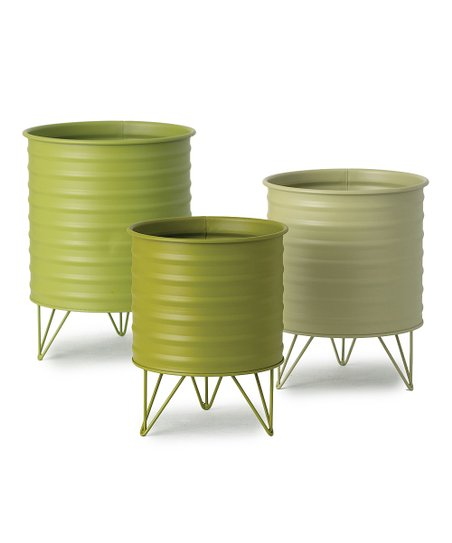 Display Your Favorite Blooms In These Verdant Planters Each Supported On Wireframe Legs With A Distinctive Ribbed Si In 2020 Iron Planters Planters Flower Pots Outdoor