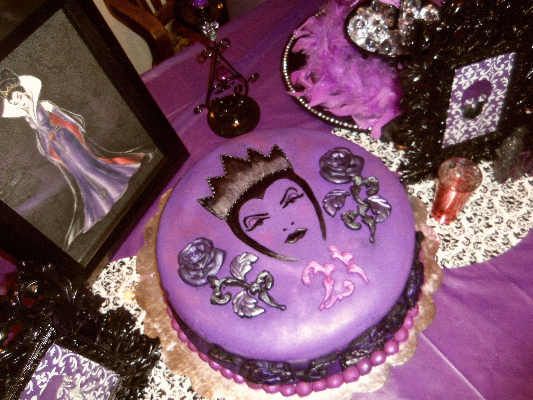 486dc7e3f Evil Queen Birthday Cake