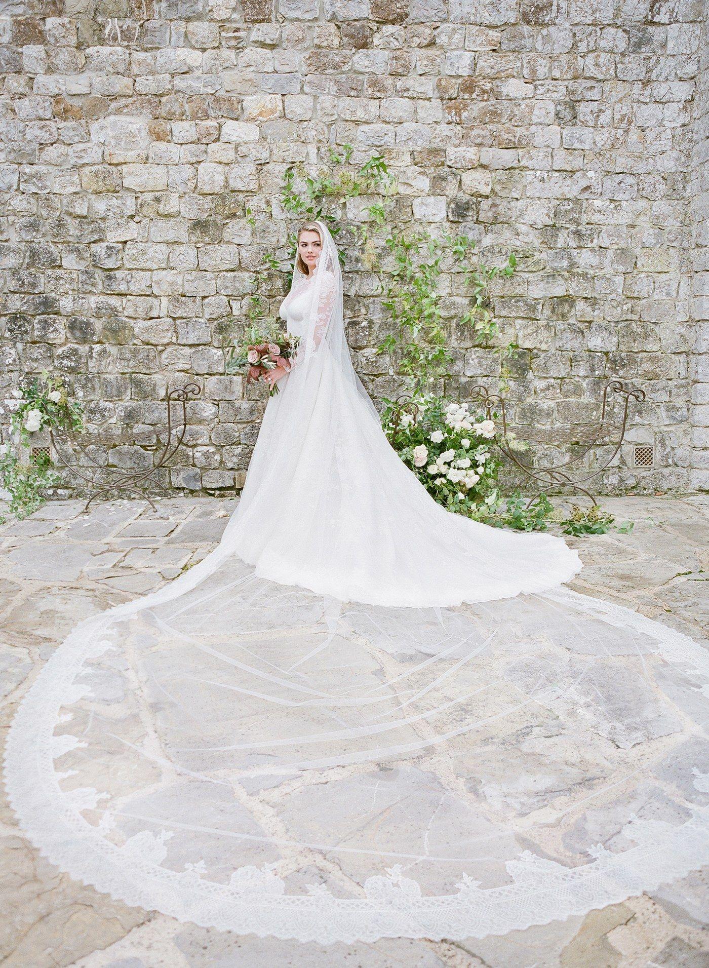 Kate Upton Wedding Dress.Kate Upton In Her Wedding Dress Weddings In 2019 Wedding Tuscan