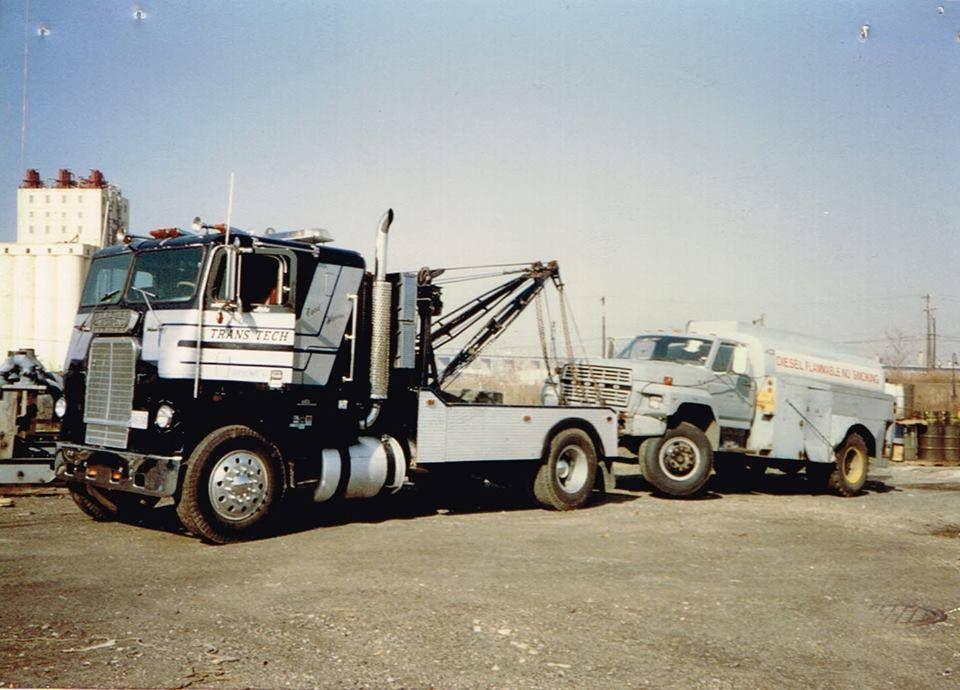 Vintage Freightliner Holmes W45 Wrecker Trans Teck Freightliner Trucks Tow Truck