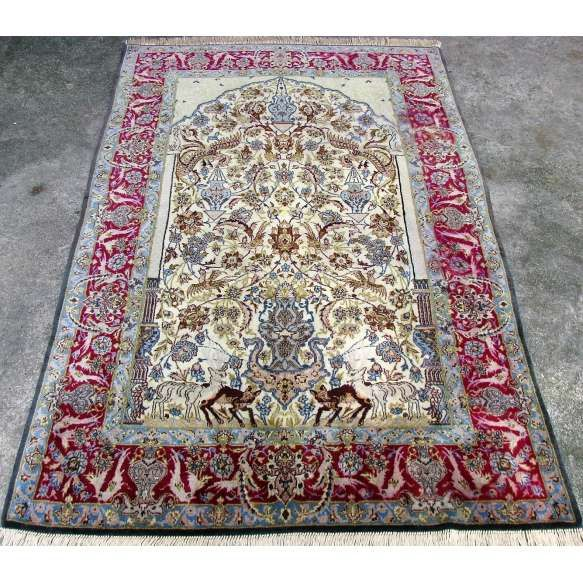 Tapete Isfahan. Med. 1,70x1,07 = 1,81m2.