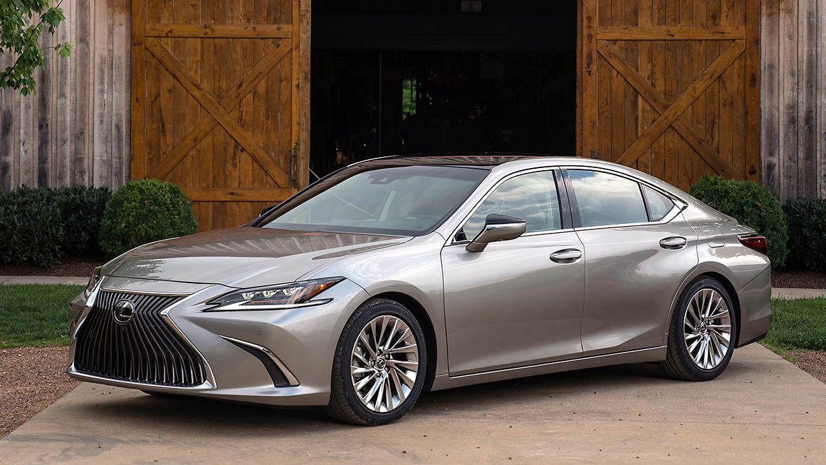 Toyota Recalls Almost 700 000 Vehicles Because Fuel Pump May Fail In 2020 Lexus Es Lexus Sedan Lexus