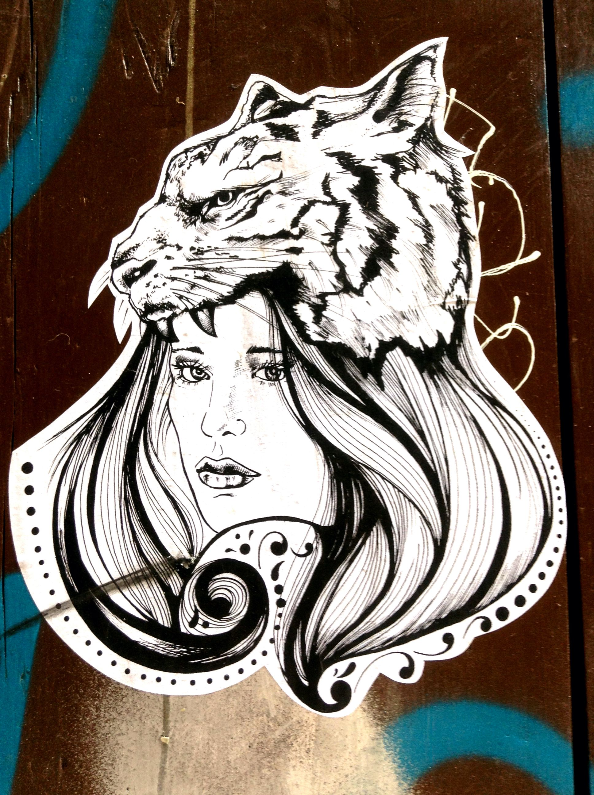 Tiger & Woman style ! #Tiger #Woman #Black&White #Black #White #Beautiful #Girl #StreetArt #Street #Art #Barcelona #B4S #Bcn #Catalonia #Inspiration #FOS #FreedomOfSpeech #Artist