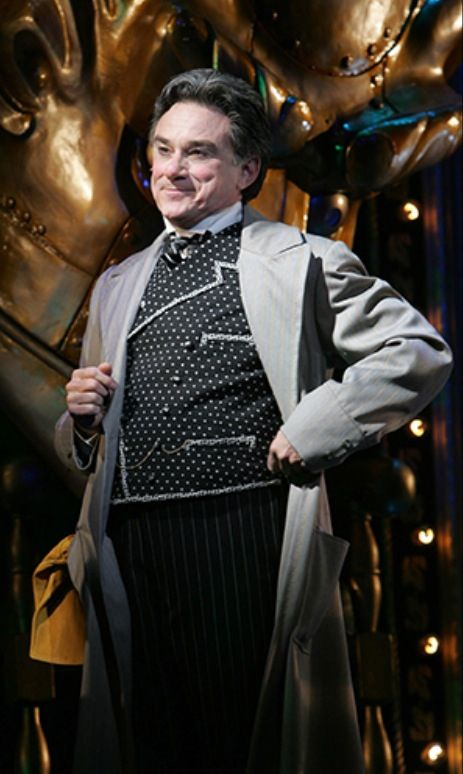Gene Weygandt as the Wizard in the Munchkinland Tour of Wicked. I just saw this company today in Bosie, Idaho and LOVED IT!!!<3