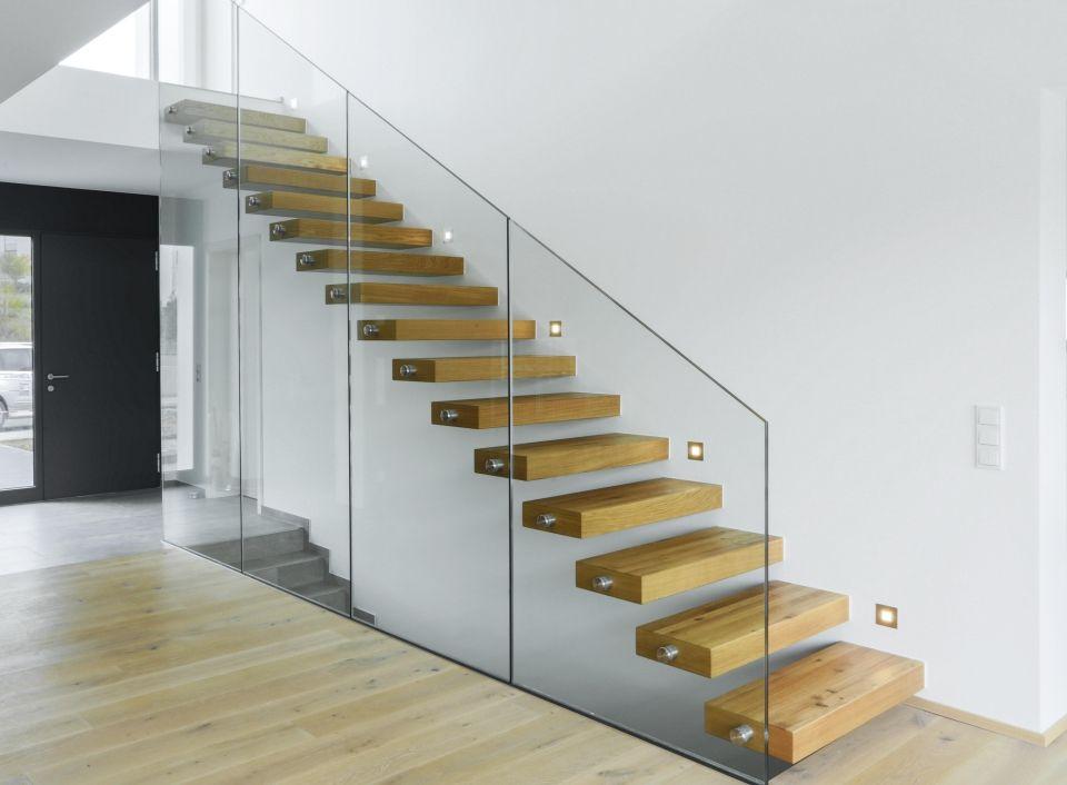 moderne kragstufentreppe mit schwebenden stufen. Black Bedroom Furniture Sets. Home Design Ideas