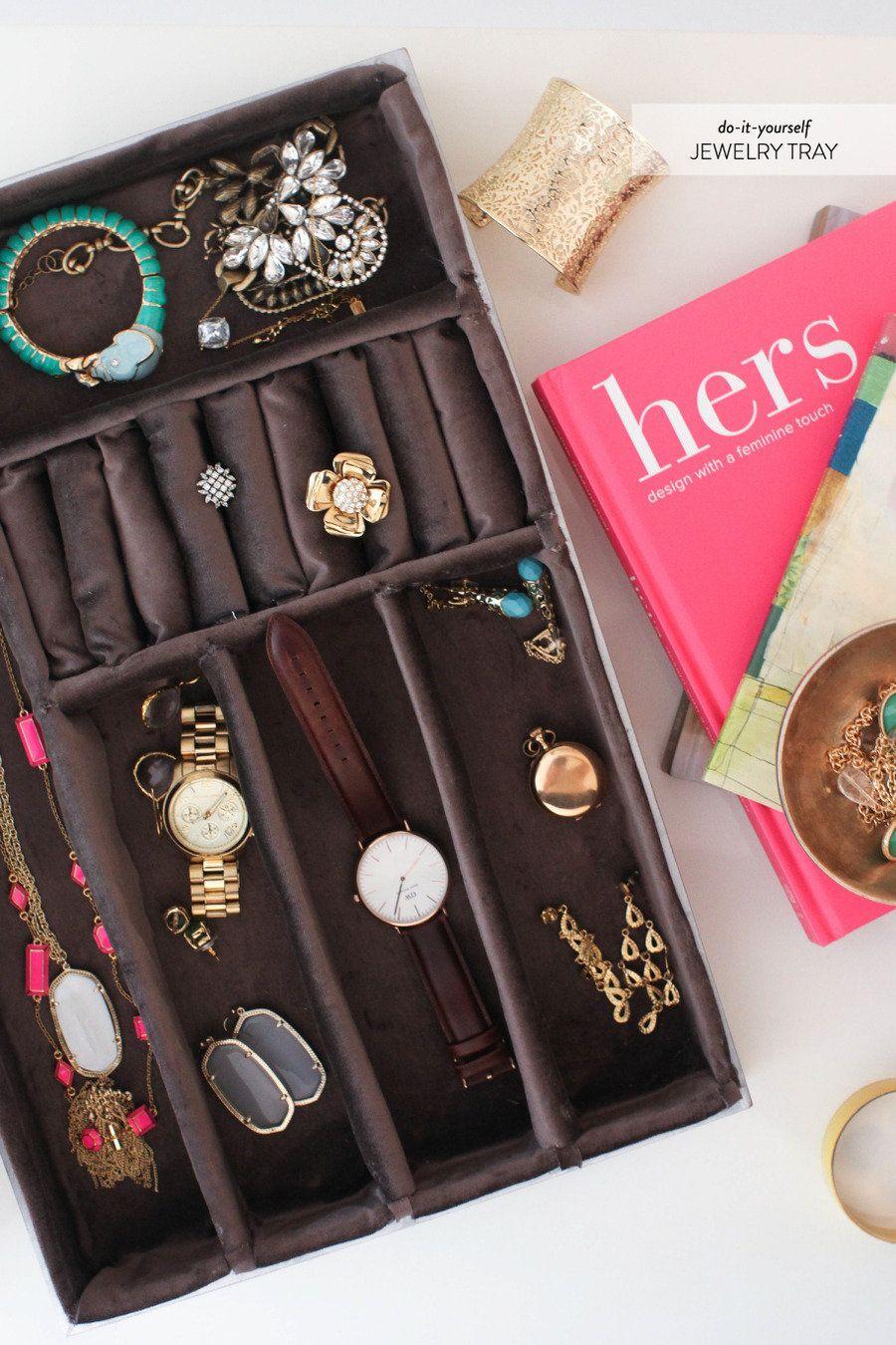 Diy velvet jewelry tray homemade jewelry and bijoux for Velvet jewelry organizer trays