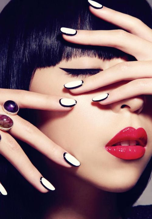 Nails & lips match