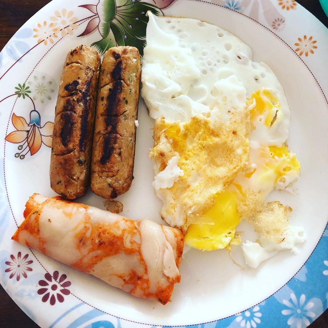 Simple breakfast are always the tastiest! #looseweight #healthysnacks  #fitness #fitnessmotivation #...