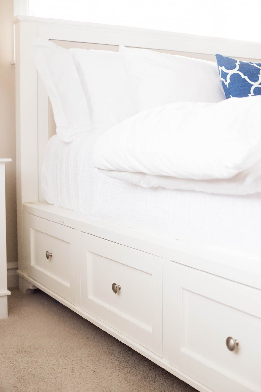 Make this beautiful diy pottery barn storage bed king and queen