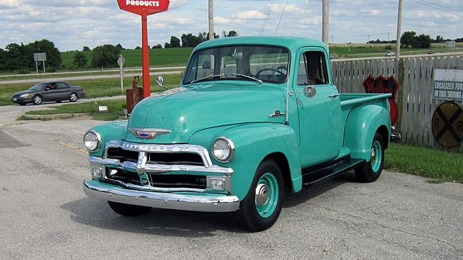 1955 Chevrolet 5 Window Pick Up Love The Color Classic Chevy Trucks Vintage Trucks Chevy Trucks