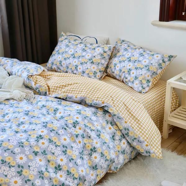 Photo of Flower Plaid Bedding Set