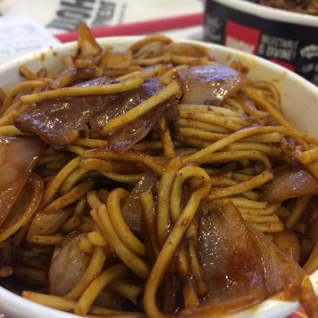 Desi Chilli With Ramen Noodles Onion Value Box Priced Only 55 Wok Express Growels101 Kandivali East Desichilliwithr Mumbai Food Wok Noodles Lover
