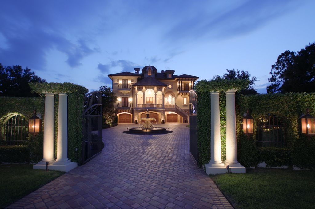 Tampa Bay Exquisite waterfront home on Palm Harbor Listed