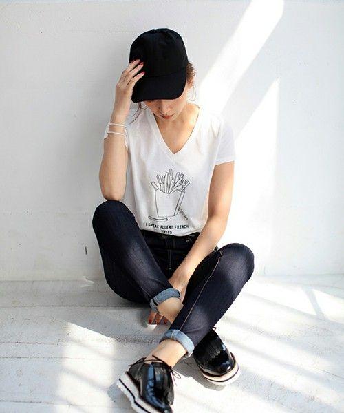 AZUL by moussy LADYS(アズールバイマウジーレディス)のフレンチフライVネックT(Tシャツ/カットソー)|オフホワイト