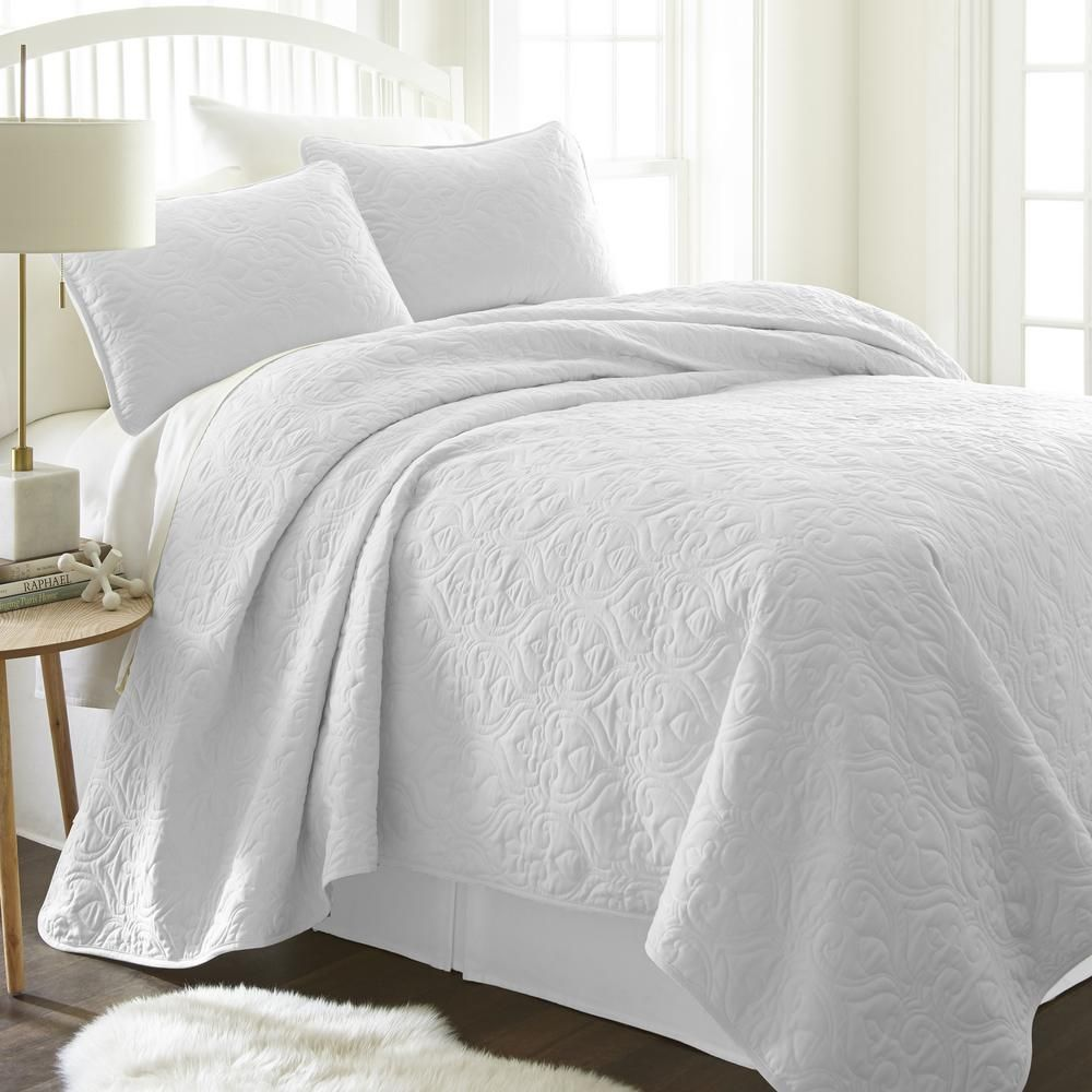 Becky Cameron Damask White Twin Performance Quilted Coverlet Set Ieh Qlt Da T Wh The Home Depot White Coverlet Coverlet Set Damask Quilt