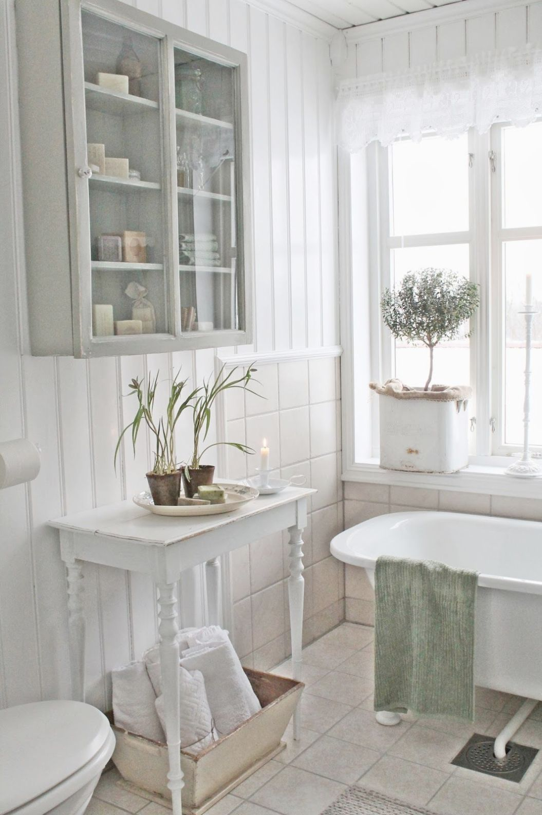 Country Bathroom Paint Schemes Rustic Bathroom Cabinet Ideas ...