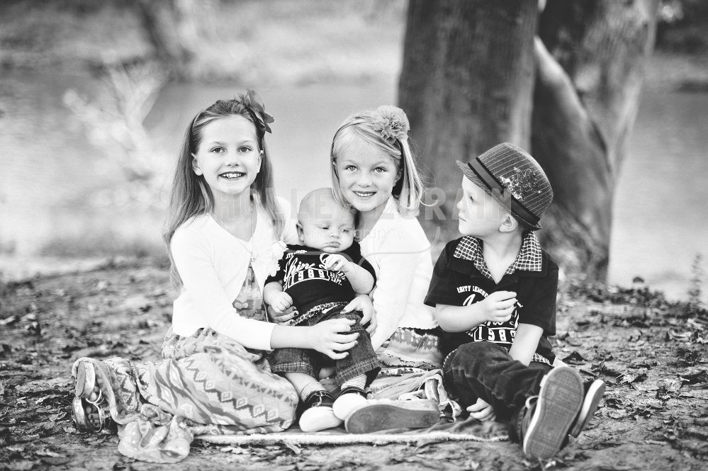 Richardson Family Portraits, photo by: Holley Lorain Photography
