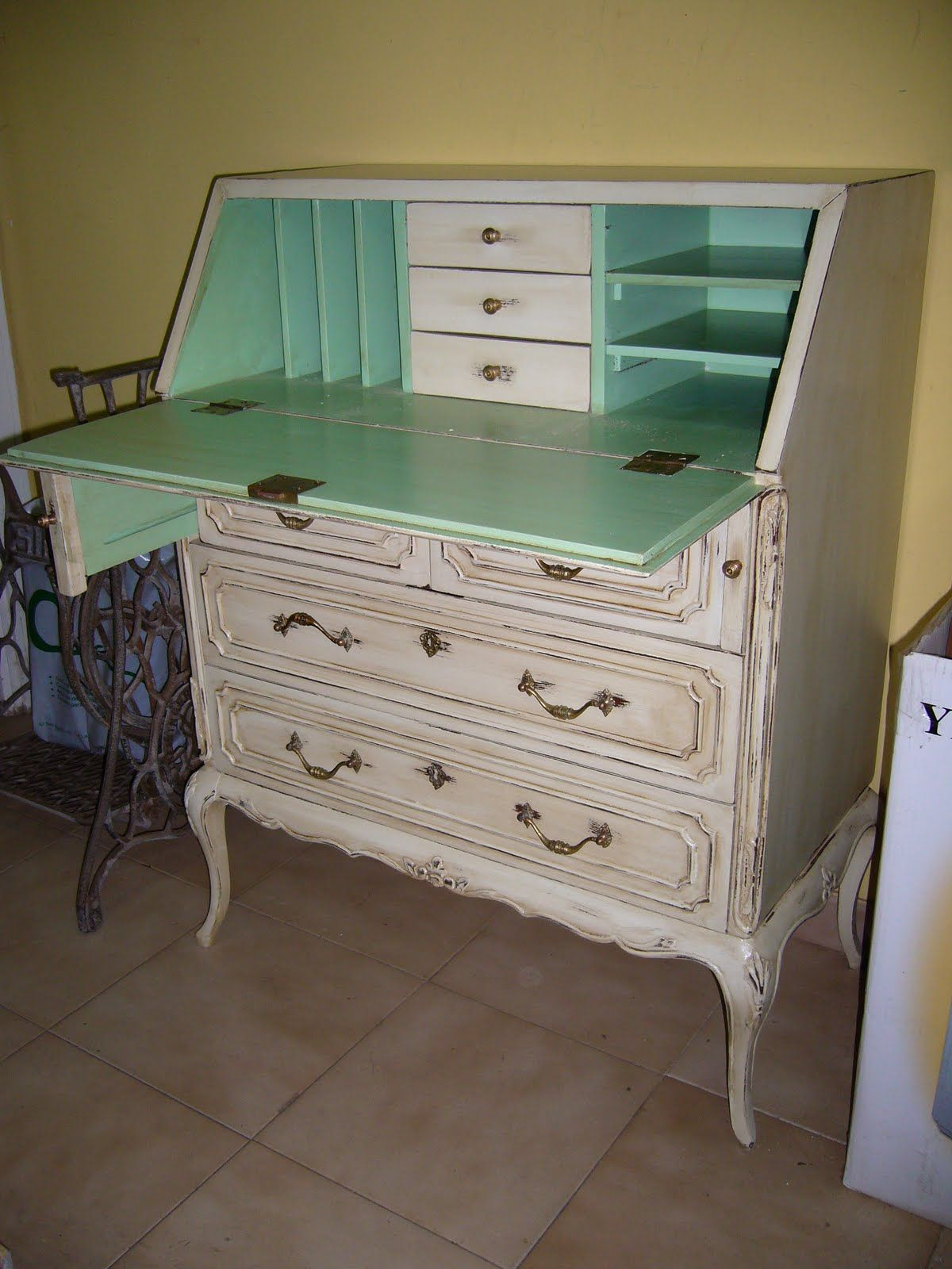 Muebles antiguos para restaurar stunning muebles antiguos - Modernizar muebles antiguos ...