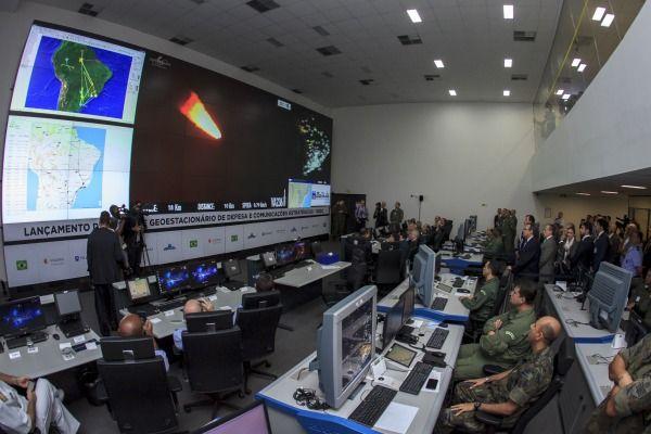 Assista ao vídeo e veja como foi o lançamento do satélite brasileiro - http://buff.ly/2qGBaHV