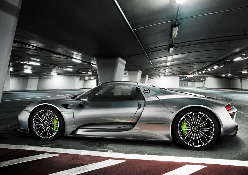 Porsche 918 2016