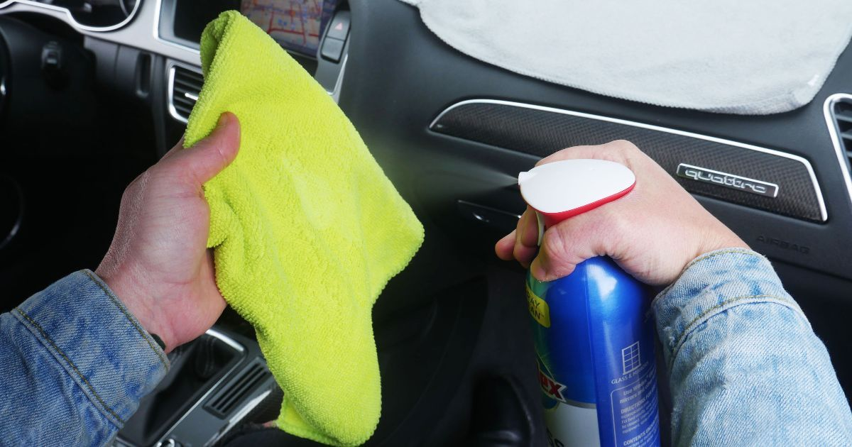 Say Goodbye To Streaks On Your Windshield Here S The Right Way To