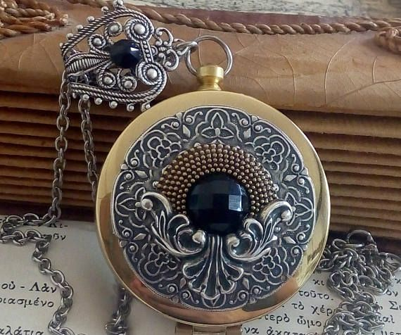 Working Compass Locket Pendant Necklace with Black Onyx  a53125f44ef