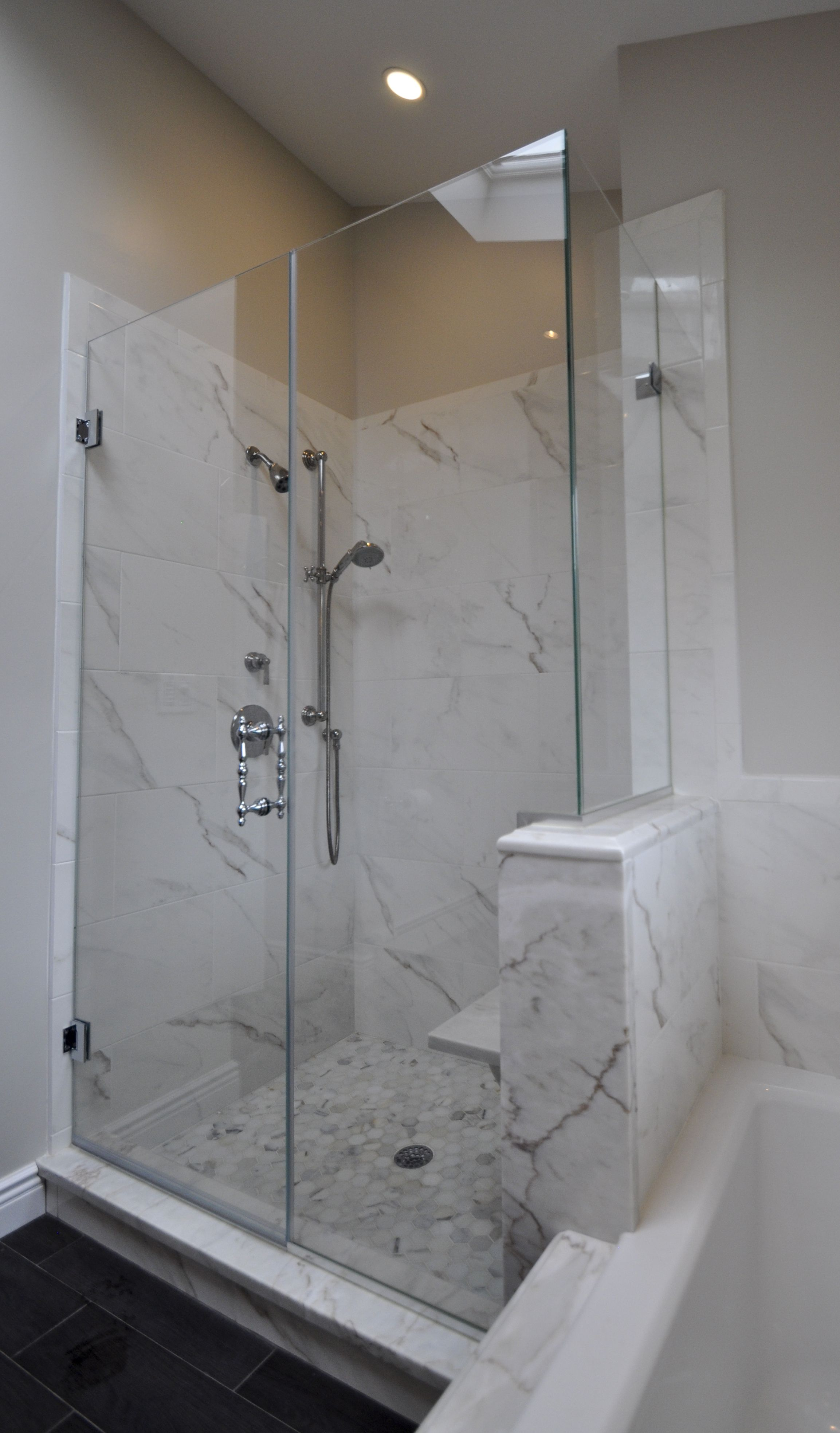 Stand up shower with frameless shower doors