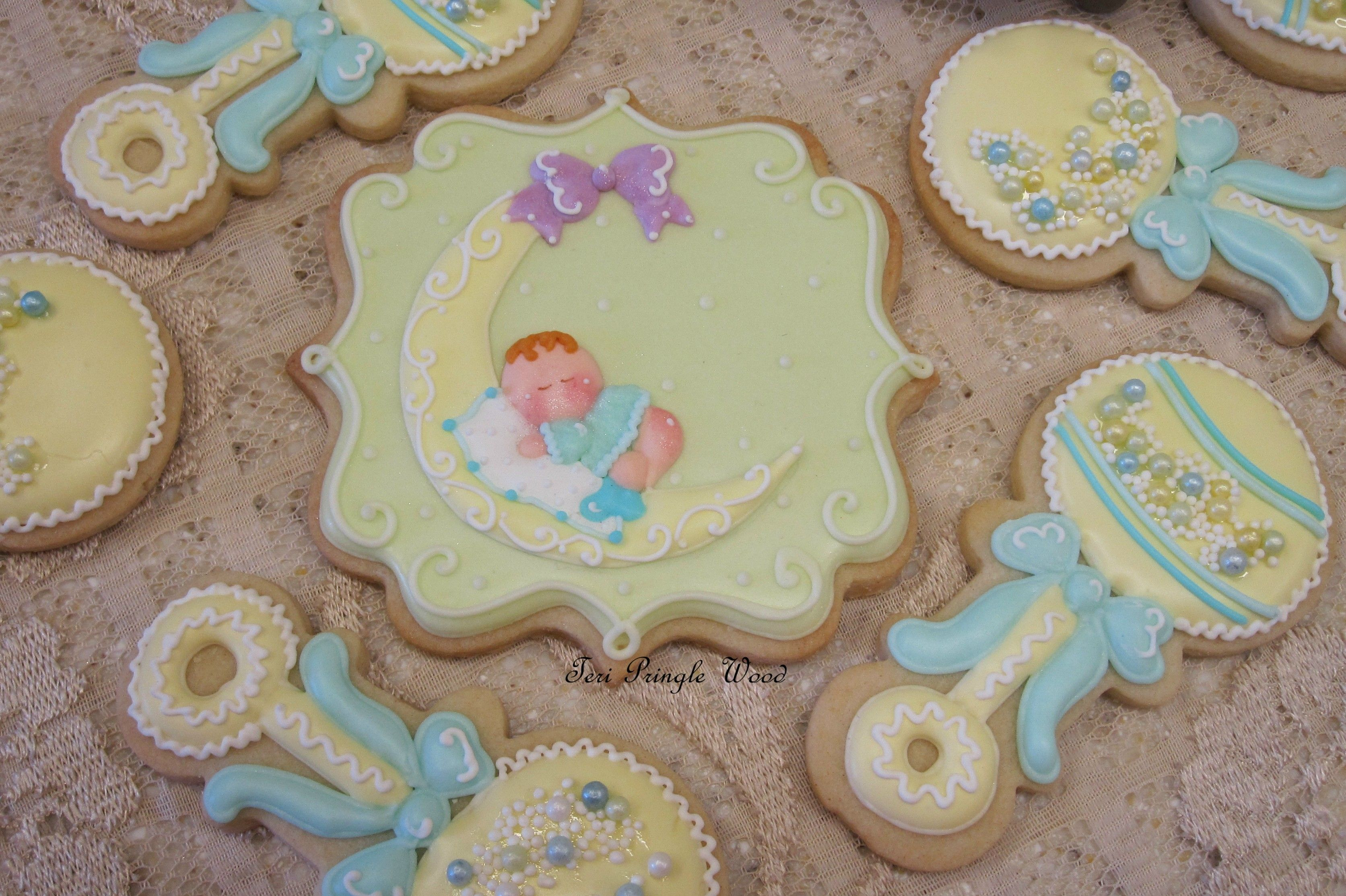 Baby shower decorated cookie