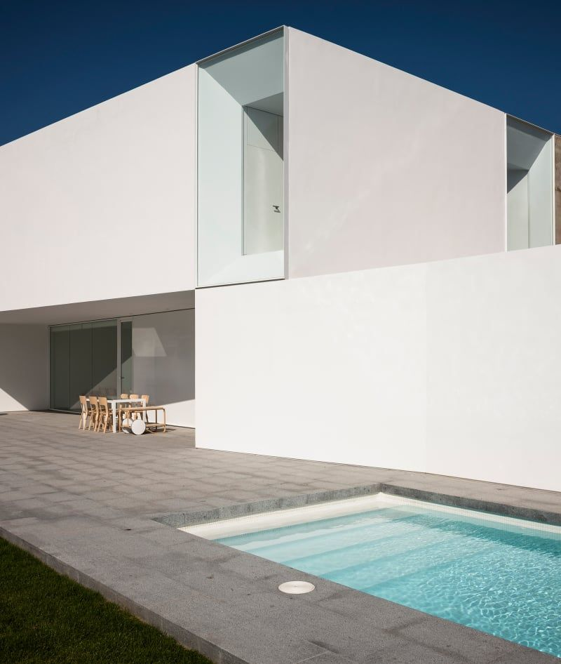 Adolfo prez fernando alda star 18 be architecture the house is located in a plot which has been divided in two parts to built two semi detached houses in the vistahermosa residential area in el puerto de sciox Choice Image